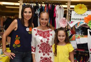 Claudia, Lorena y Regina
