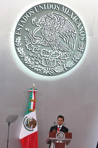 Recordó que hace cinco años México eligió un cambio con rumbo, donde los ciudadanos decidieron hacer realidad la transformación que el país requería como mejorar la seguridad, acelerar el paso para reducir los niveles de pobreza, ofrecer educación de calidad y eliminar las barreras que frenaban el crecimiento económico.