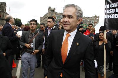 Hasta el Palacio Nacional arribó el jefe de Gobierno, Miguel Ángel Mancera.