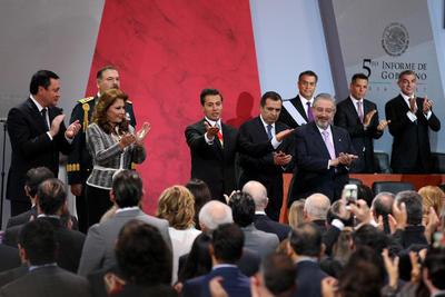 El titular del Ejecutivo presentó su informe conformado por cinco ejes que fijó al inicio de su administración, que son: un México en paz, con educación de calidad, incluyente, próspero y con mayor responsabilidad global.