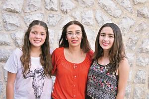 04092017 FELICES.  Nadia, Claudia y Valeria.