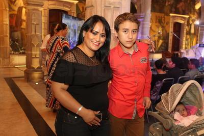 Mara Méndez y Rogelio Solís.