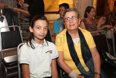 Adriana Avelar y Michelle.