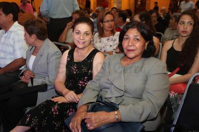 Lourdes Muñóz y Silvia Reyes.