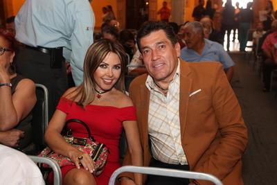 Rosy Muciño y Julio Muciño.