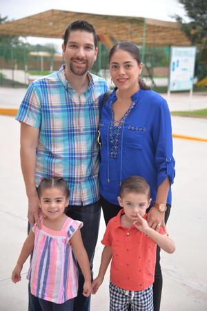 06092017 Adriana, Rafael, Constanza y Sebastián.