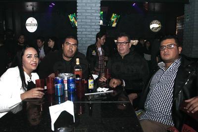 Marcela, Adrián, Polo y Gerardo.