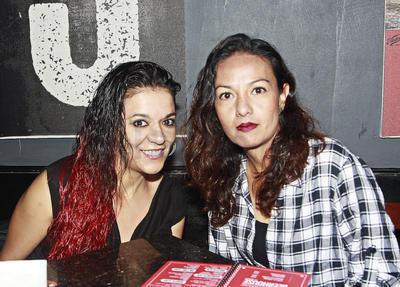 .Aurora y Lidia.