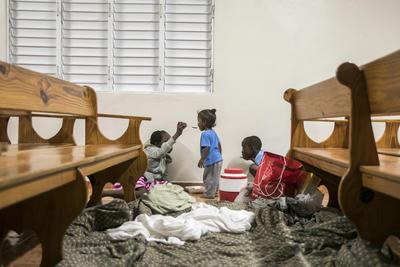 Se han habilitado refugios para mantener segura a la población.