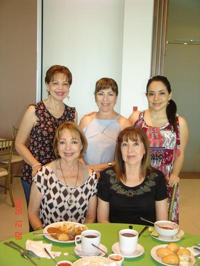 07092017 Elvia, Rosalinda, Susana, Martha y Lucy.