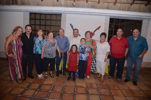 08092017 GRATA CELEBRACIóN.  Armando Saavedra celebró un año más de vida, acompañado de toda su familia.