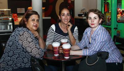 Patricia, Tere y Rosario.