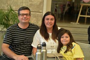 09092017 RECIENTE EVENTO.  Alfredo, Paula y Elisa.