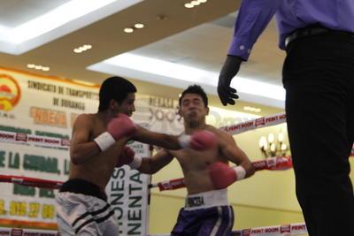 Una gran velada de viernes fue la que se vivió con el boxeo profesional.
