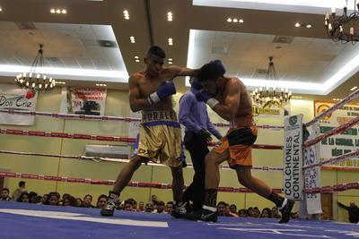 Grandes combates se vivieron en la velada de box profesional.