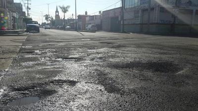 Avenida General Enrique Carrola Antuna, esquina con prolongación Cuauhtémoc, colonia Ciénega.