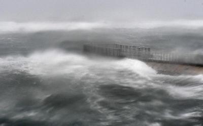 Han muerto al menos tres personas en Florida a consecuencia de las adversas condiciones climatológicas provocadas por Irma, que en su avance desde los Cayos hasta la península se degradó a categoría 3.