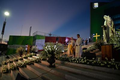 El obispo pidió a la comunidad Lagunera a mostrar solidaridad por las personas que murieron y por las familias que están sufriendo las consecuencias a causa de estos fenómenos naturales.