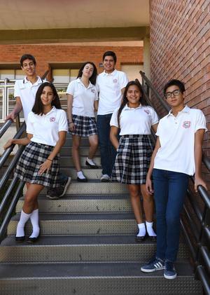 10092017 EN EL COLE.  Jimena, Sergio, Gabriela, Sebastián, Kiara y Farid.