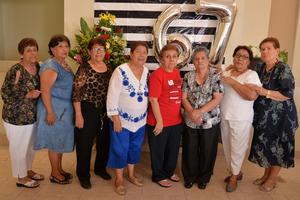 10092017 ENTRE AMIGAS.  Ángeles, Gelo, Crucita, Fide, María Estela, Marthita, Sara y Esther.