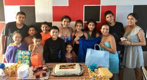 10092017 FELIZ CUMPLEAñOS.  Eduardo Jáquez celebró su décimo aniversario de vida acompañado de sus papás, familiares y amigos.
