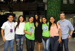 11092017 EN RECIENTE EVENTO.  Roberto, Valeria, Hilda, Cristina, Daniela, Ileana y Enrique.