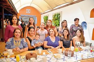 10092017 EN RECIENTE EVENTO.  Familia González de Durango, Durango, de visita en la ciudad.
