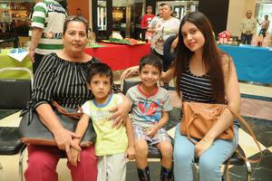 10092017 Blanca, Daniel, Rodrigo y Daniela.
