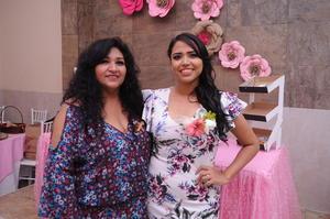 10092017 POR CASARSE.  Salma Mata Sánchez con su mamá, Mayela Sánchez Sänchez.