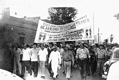 10092017 Manifestación de apoyo a la candidatura a Gobernador del Estado de Durango, Lic. Armando del Castillo Franco, y del Sr. Javier Ponce Ortega, candidato a diputado local, Sr. Cristóbal García Ramírez, Sr. Armando de la Fuente Kuri, Sr. José Cardiel, Sr. Alejandro Ramírez Villalba y Sr. Luis Dávila Ávila, el 15 de julio de 1980.