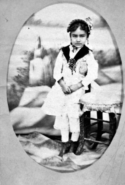 10092017 Hija del Sr. Manuel Herrera Jaime, hace varias décadas.