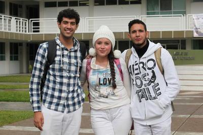 Aarón, Daniela y Erick.