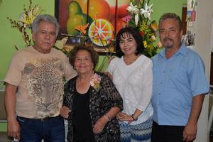 12092017 FIESTA DE CUMPLEAñOS.  Víctor Manuel, Ana María, Elena y Sergio.