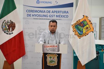 Por su parte, el alcalde Jorge Luis Morán dio un largo mensaje a los asistentes sobre las ventajas de haber invertido en Torreón y en Coahuila.