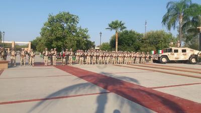 Se realizaron los honores a la bandera, así como el pase de lista de los Niños Héroes.