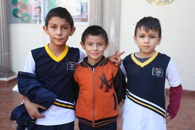 Emiliano, Tadeo y Alexander.