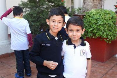 Santiago y Joshua.