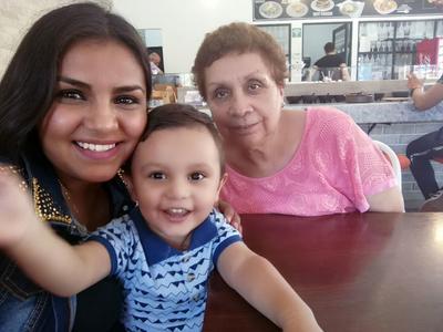 14092017 Karen, Santiago y María Estela.