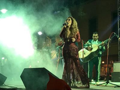 Sombras nada más, Fallaste corazón y Acá entre nos fueron algunos de los temas que la cantante entregó.