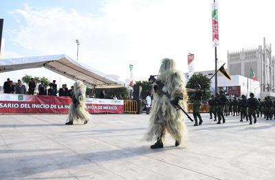 Las diferentes modalidades del Ejército se lucieron en el desfile.