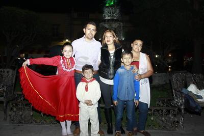 Celebran las fiestas patrias