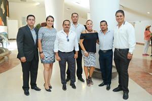 17092017 POSAN PARA LA FOTO.  Cristóbal, Gaby, Hugo, Luis, Gera, Hugo y Juan.