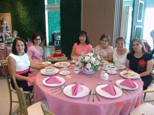 16092017 EN FESTEJO.  Georgina, Rosy, Andrés, María Elena, Rosita, Chela y Renata.