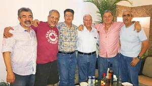 17092017 GRATOS MOMENTOS.  Gregorio Muñoz, Luis Fernando García Abusaid, César Madero, Héctor Acuña, Fernando Llama y Yamil Darwich, en reunión en honor de Héctor Acuña en su pasada visita a La Laguna.
