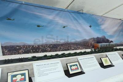 La exhibición, única en su género y mostrada por primera ocasión en México, llamó la atención de ciudadanos y mandos militares.