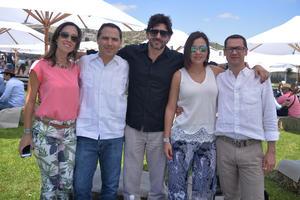 Susy,, Gabriel, Carlos, Víctor y Cristy