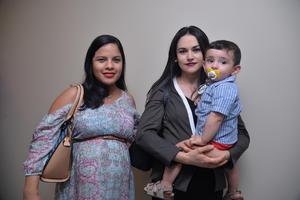 Ixchel, Martha y Pedro