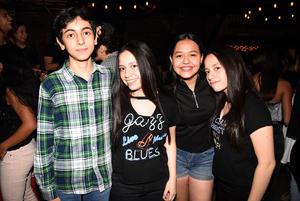 19092017 Emilio, Alma, Valeria y Amy.