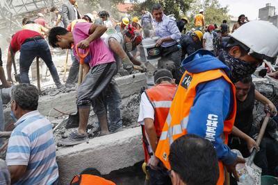 Alrededor de 40 edificios se derrumbaron.