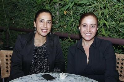 Claudia Almonte y Marissa González.